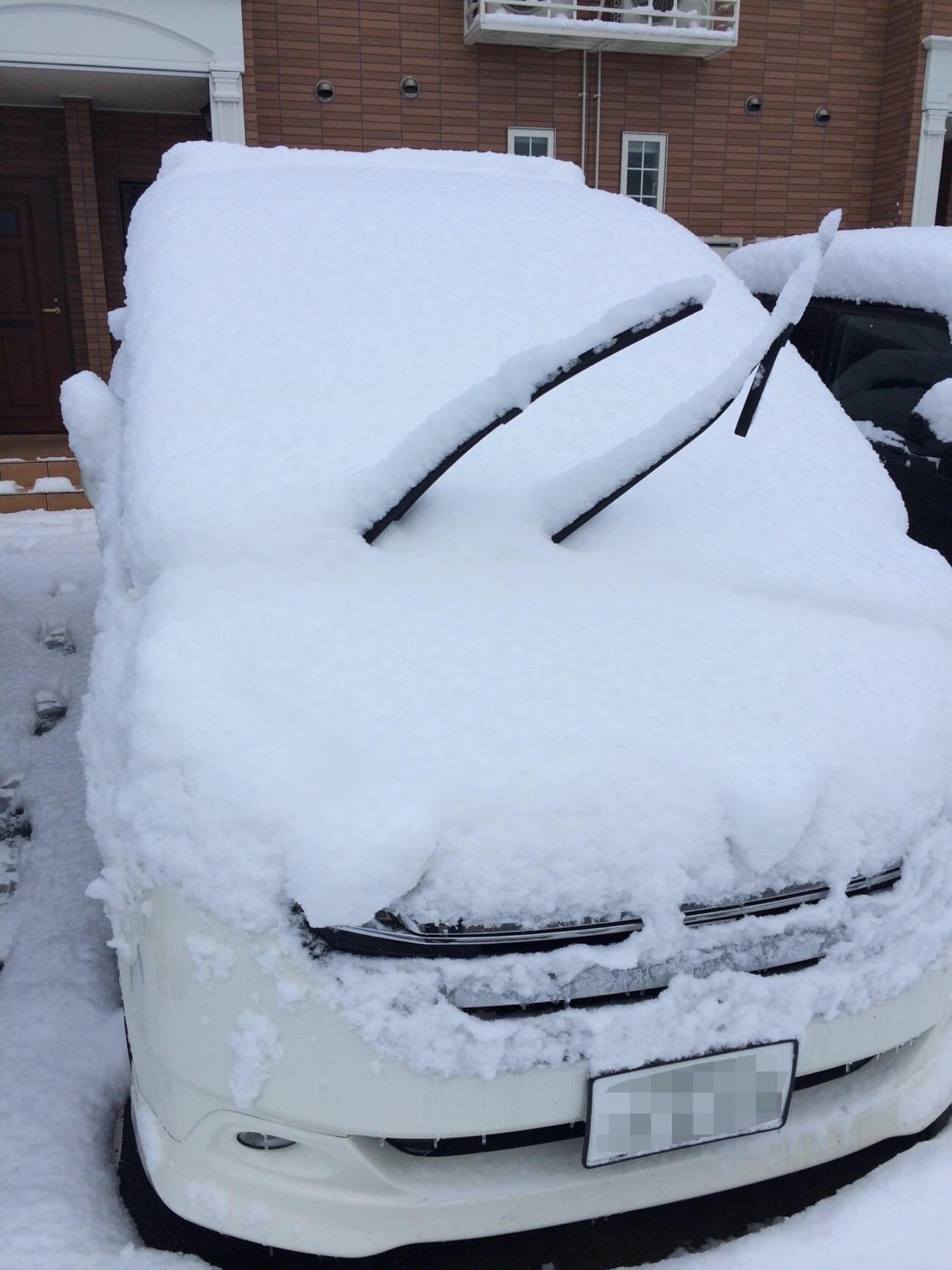 【積雪が原因して車が損傷する場合】