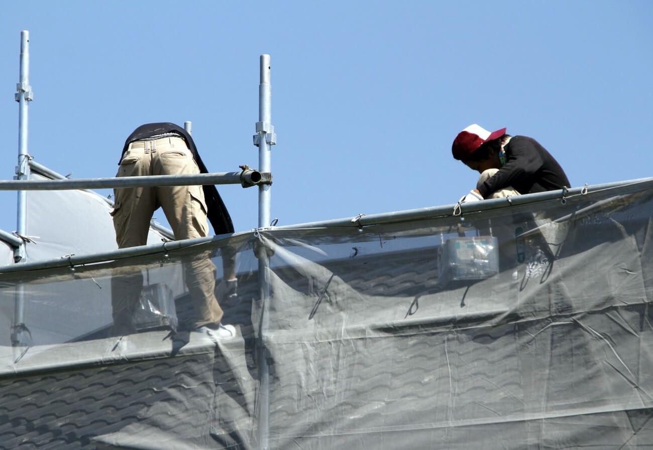 屋根葺き替えやカバー工法を行うタイミング