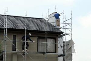 「コロニアル屋根はどんな屋根?他の屋根材との違いは?」