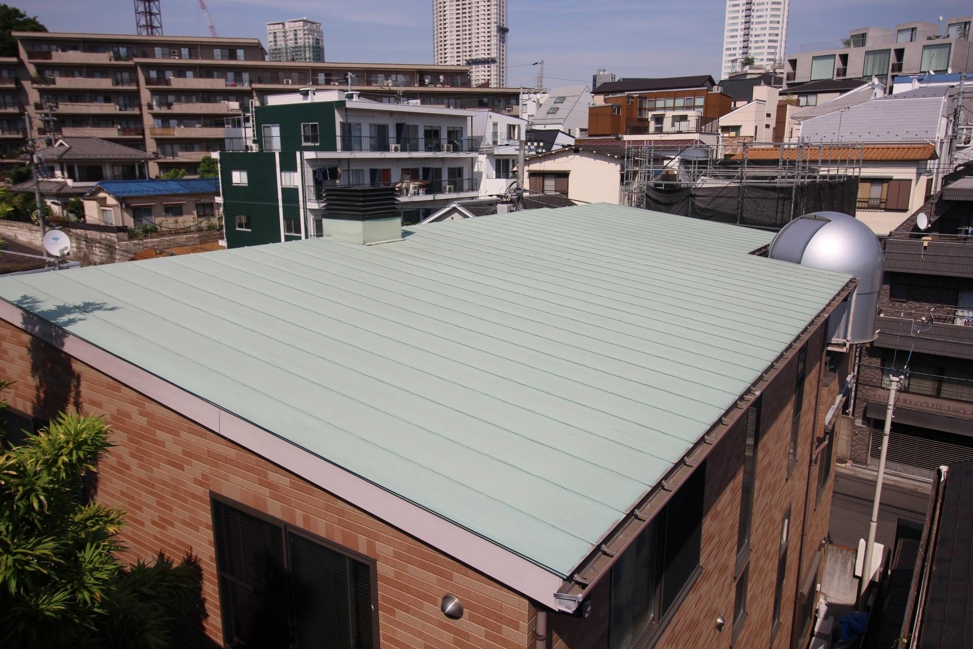 メリット4:勾配の少ない屋根にも対応