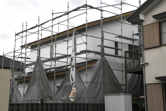 屋根リフォームにおいてカバー工法を検討している