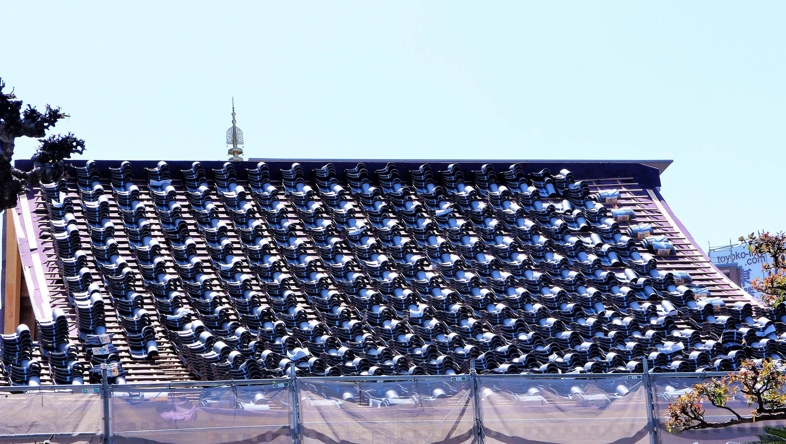屋根葺き替えと屋根材の種類
