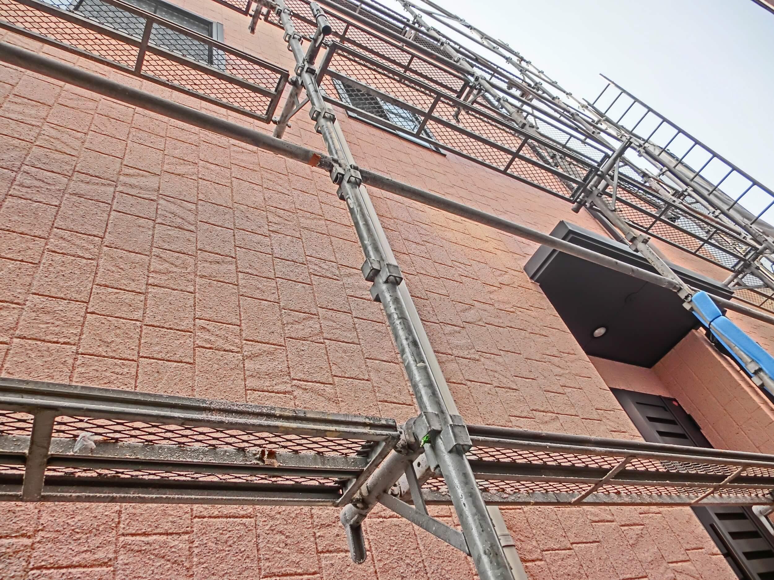 外壁と窓周りの修理方法と相場