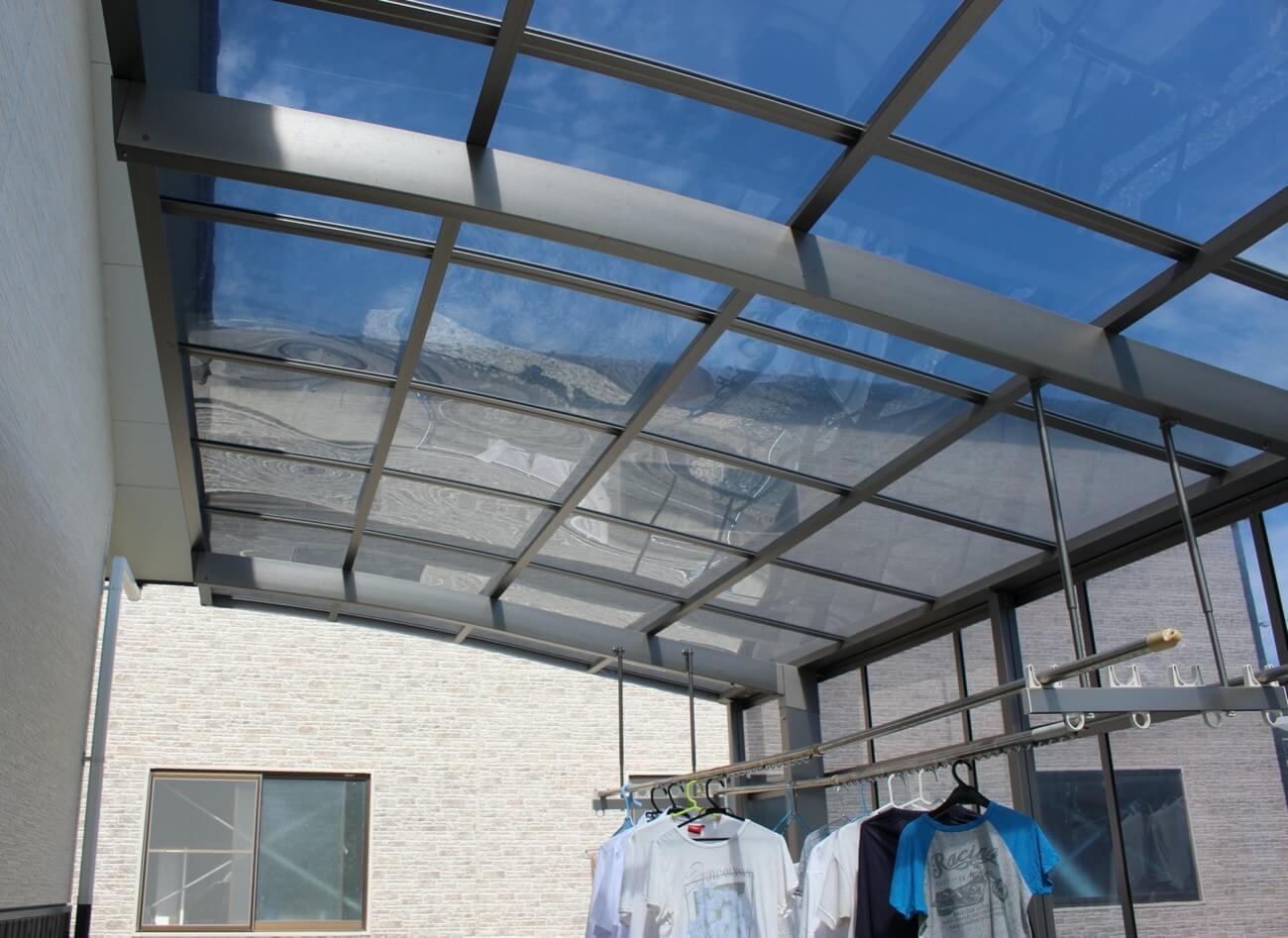 カーポートのメーカーと屋根の種類