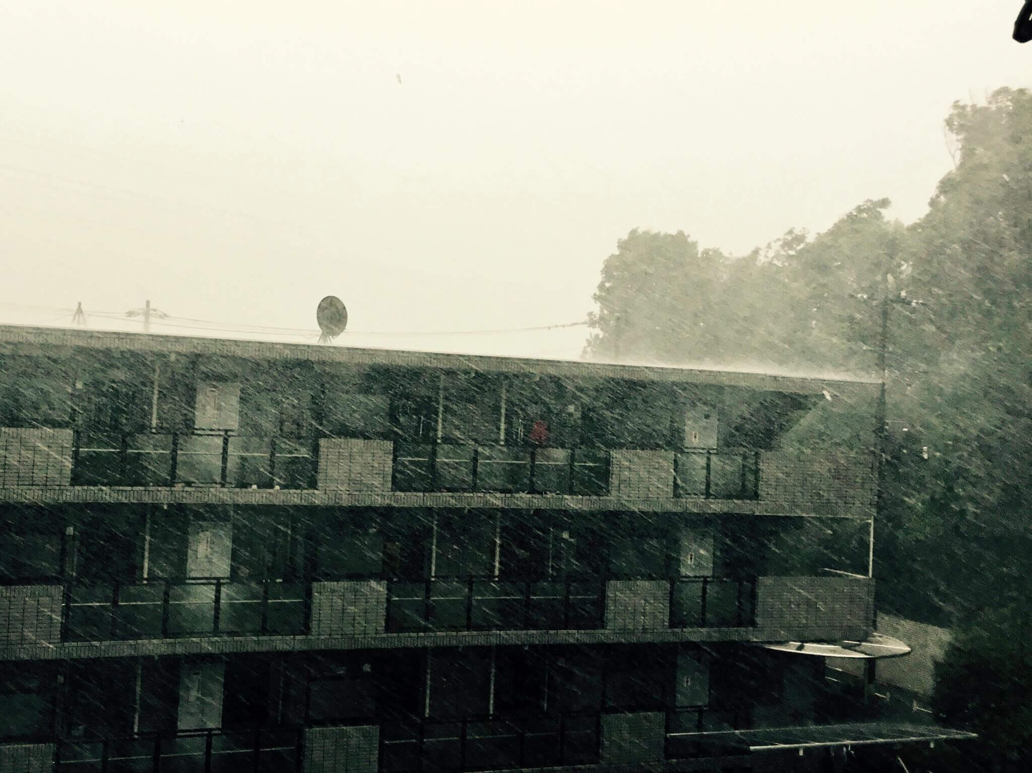 台風で発生する雨漏りの隠れた危険性