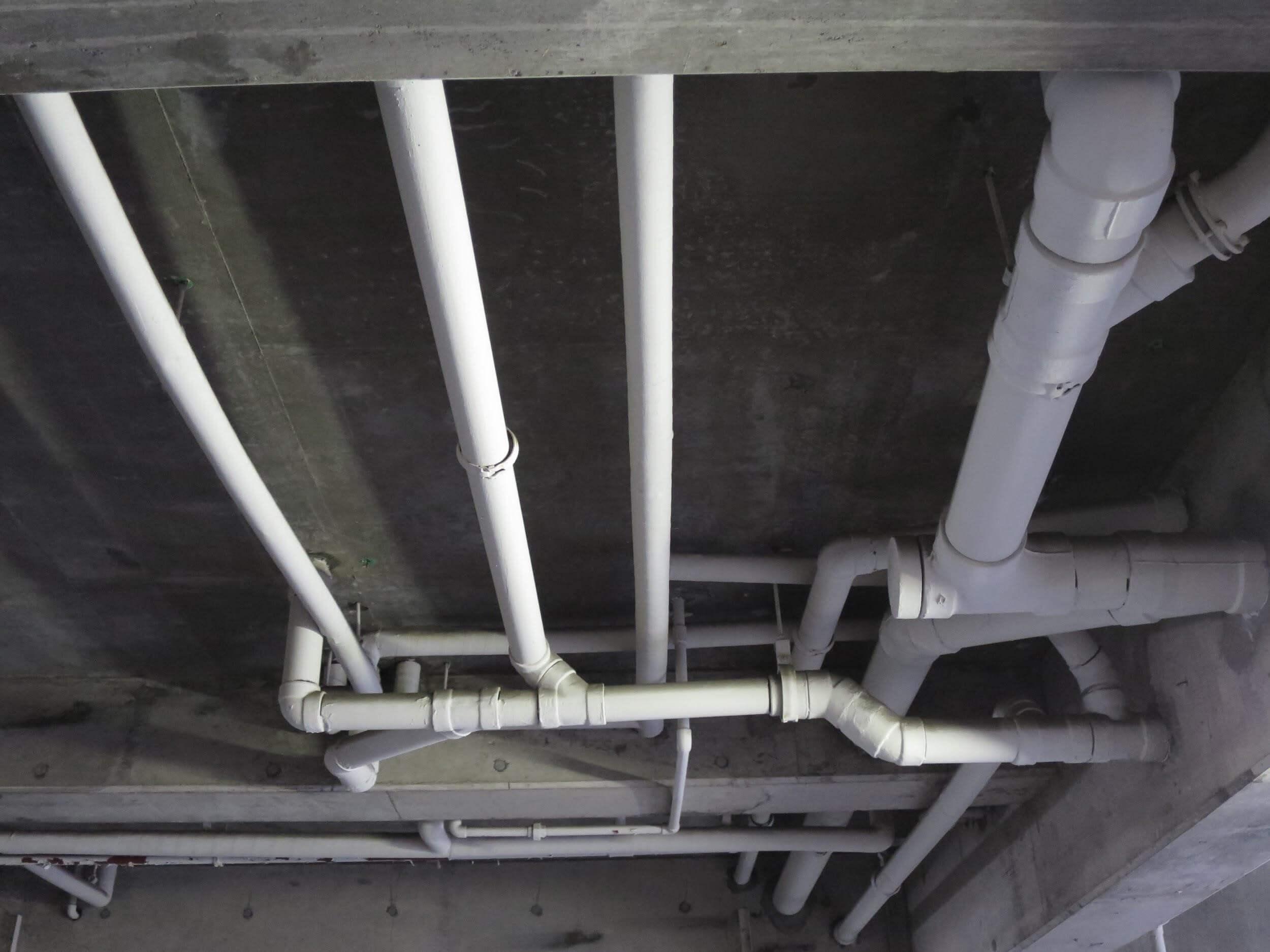配管の損傷や詰まりによる水漏れ