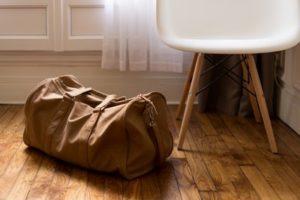 入居者・大家さんも必見!賃貸フローリングの損傷トラブルを回避する知識・方法
