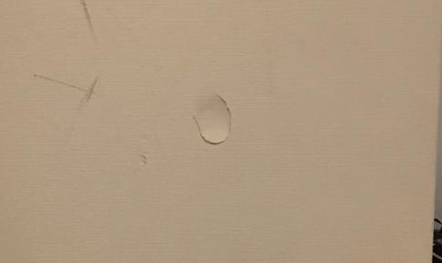 その壁の傷を自分で修復!初めてでも出来るDIY補修法を伝授!