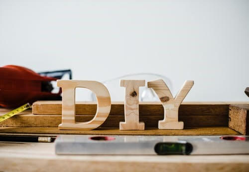 DIYでフローリングの張替えは可能か?
