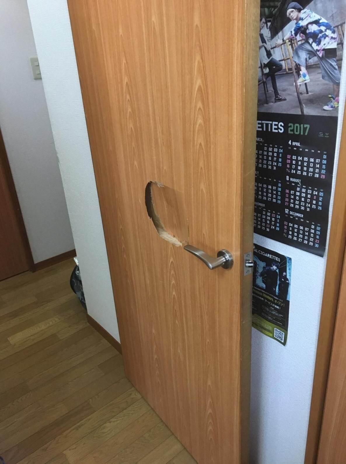 木製扉の損傷を放置する危険性