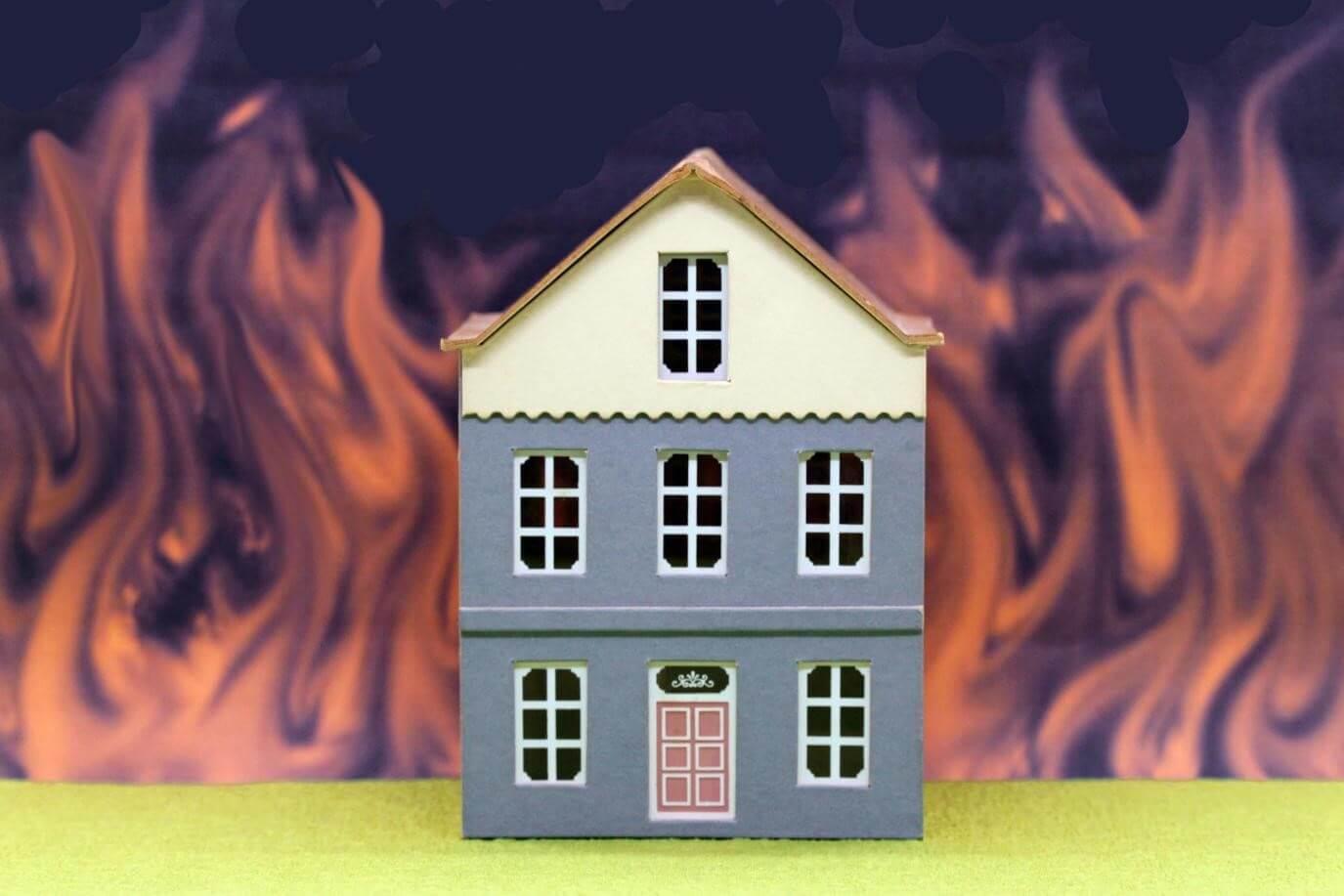 火災保険を使って補修費を抑える