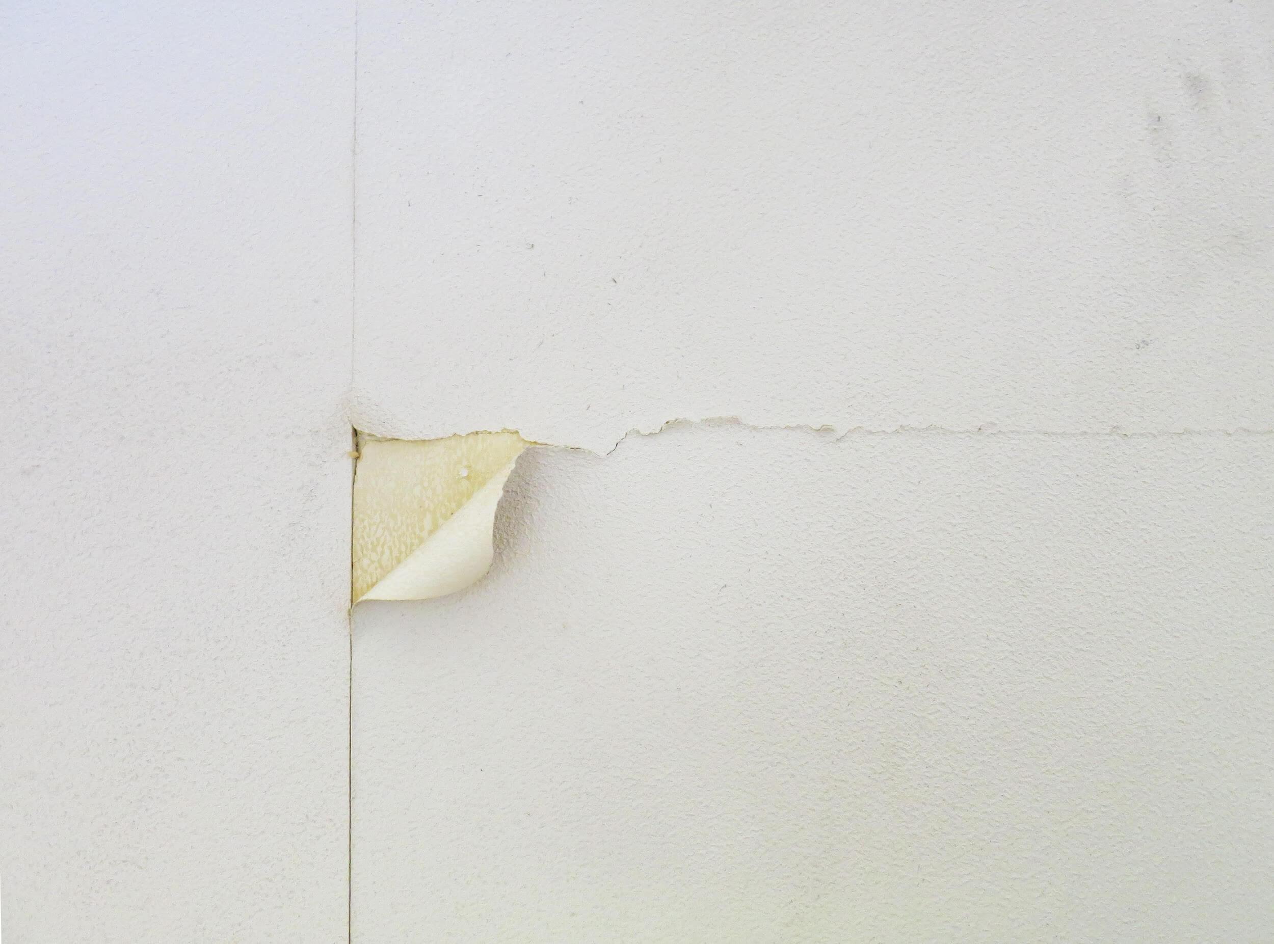 壁紙の継ぎ目をかんたん補修!道具と注意ポイントを詳しく解説