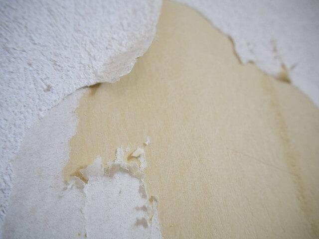 素人でも補修用壁紙を使ったDIYは可能?