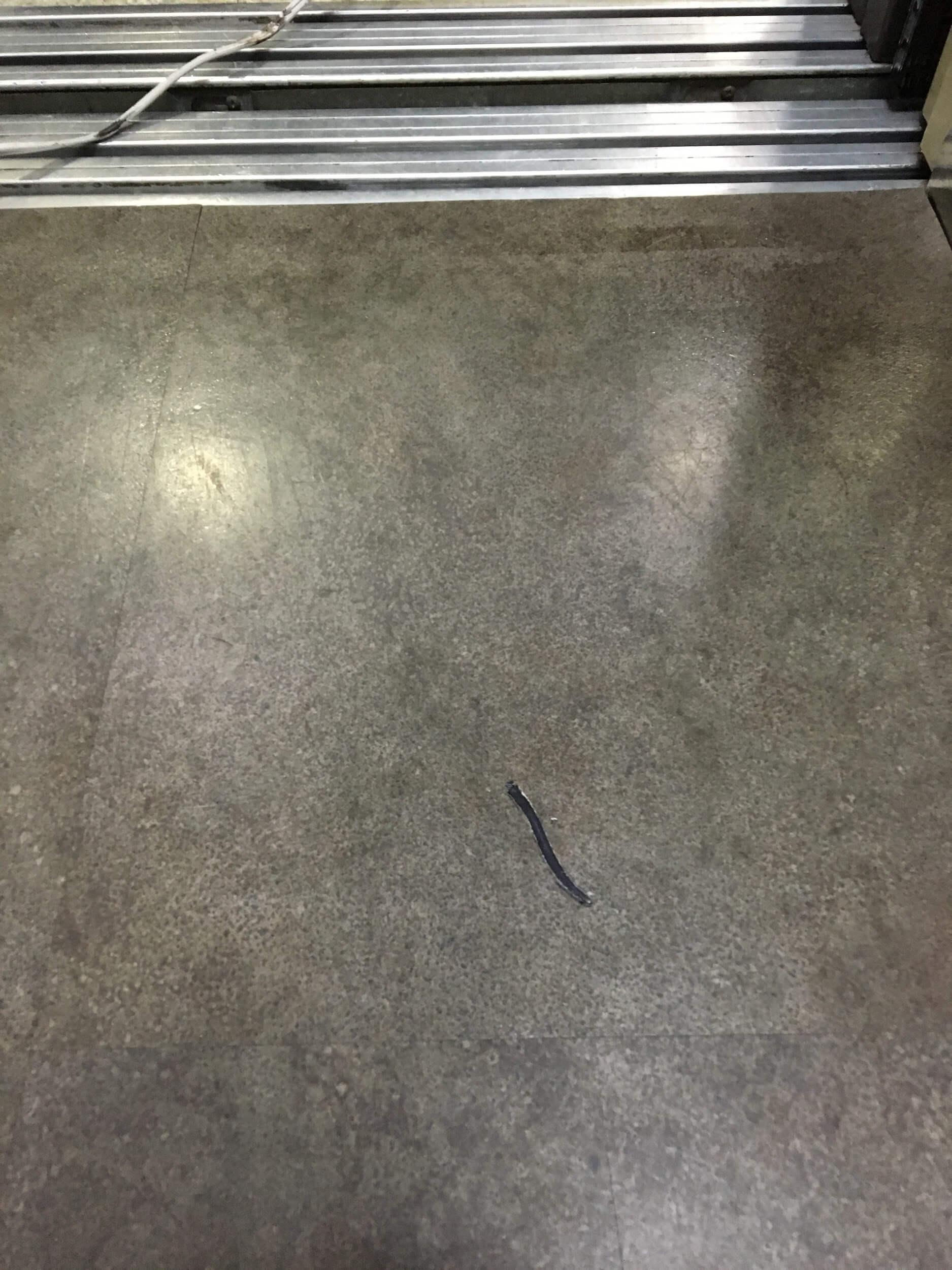 床の焦げを自分で修復しよう!タイルや畳など材質別に徹底解説