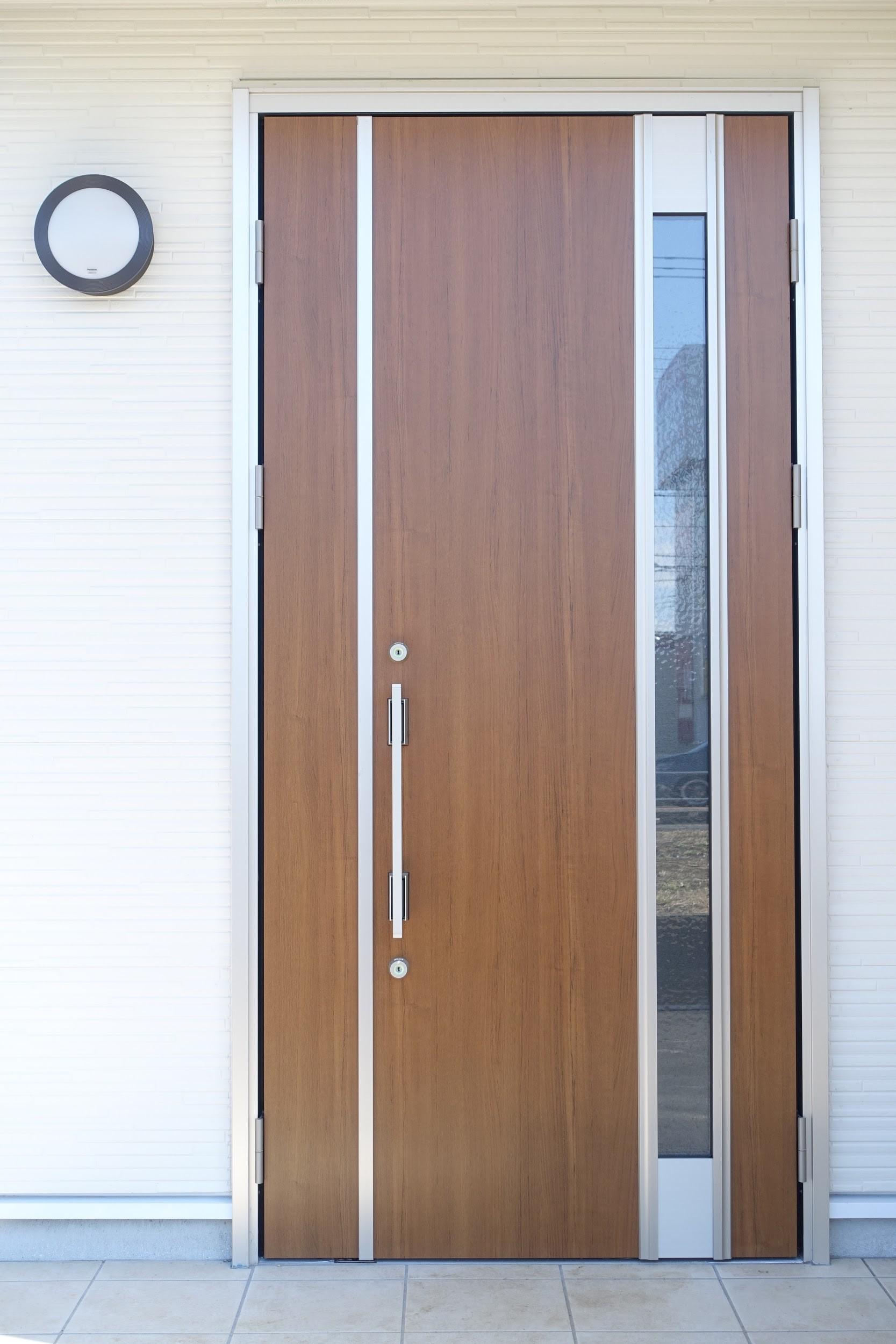 玄関ドア交換の価格を全て公開!費用を抑える取り替え方法を徹底解説