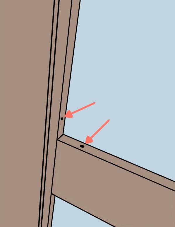 ガラスは押し縁で押さえられているだけなので、外した途端に落ちてこないよう注意しよう。