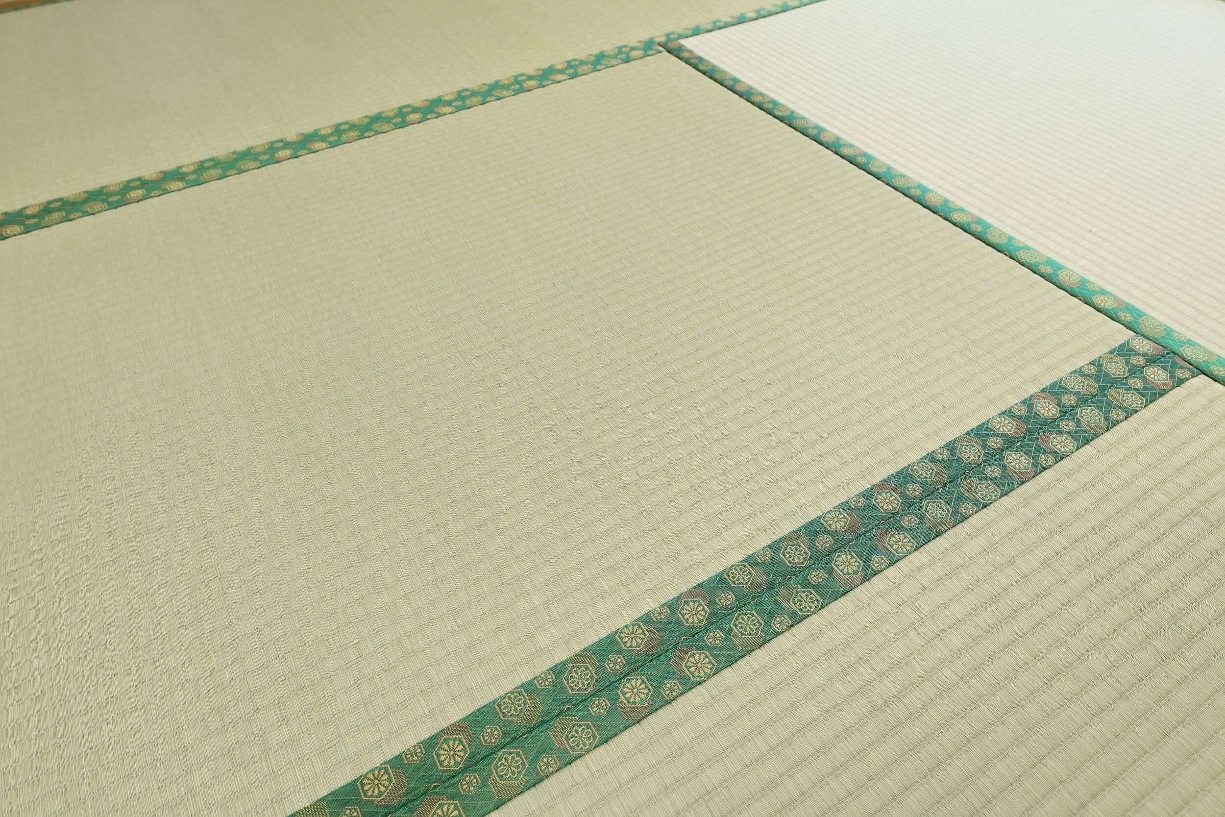 畳は削って絵の具で復活