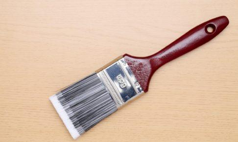 フローリング補修はニスを塗る!種類やワックスとの違いなど全て解説